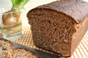 bread-black-crop